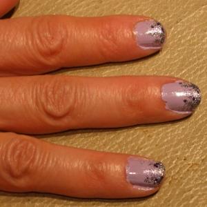 purpley pink new year nails