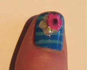salon blue thumbnail with stripes and stickers