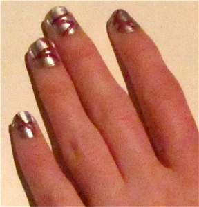 gray nails with pink stripes 3d