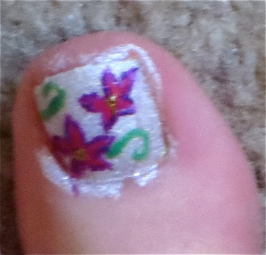 purple flowered white toenails