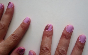 pink bling manicure mom's nails