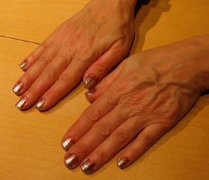 sparkle fade nail design