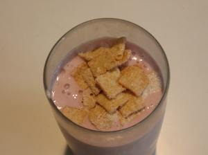 frosted toast crunch berry cheesecake smoothie