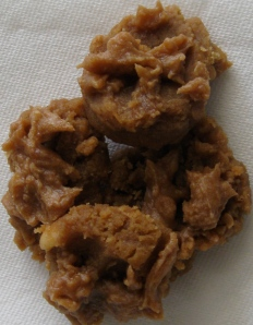 """rice flour peanut butter cookies with peanut butter """"icing"""""""