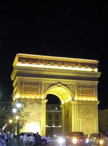 Paris Las Vegas arc de triomphe