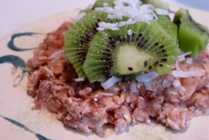 oatmeal microwave cookie with coconut and kiwi