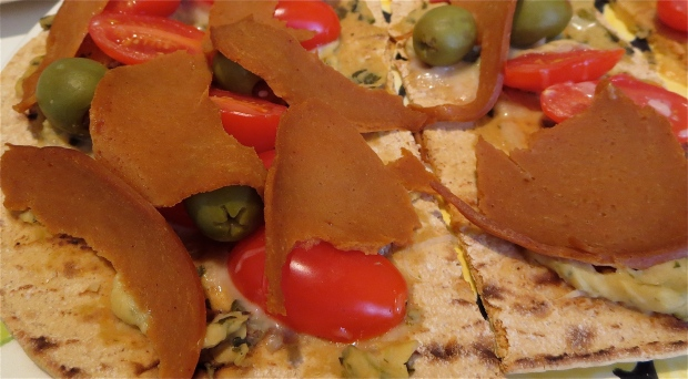 flat out flatbread hummus pizza