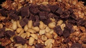 peanut butter chocolate chunk granola