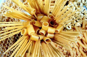 various-shapes-of-italian-pasta