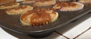 banana blueberry crumb muffins