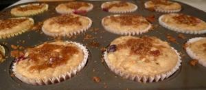 blueberry banana crumb muffins